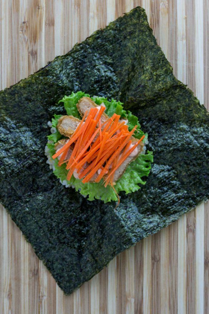 Vegan onigirazu - step 4