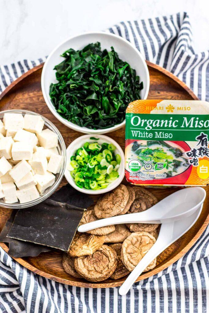 Ingredients to make vegan miso soup