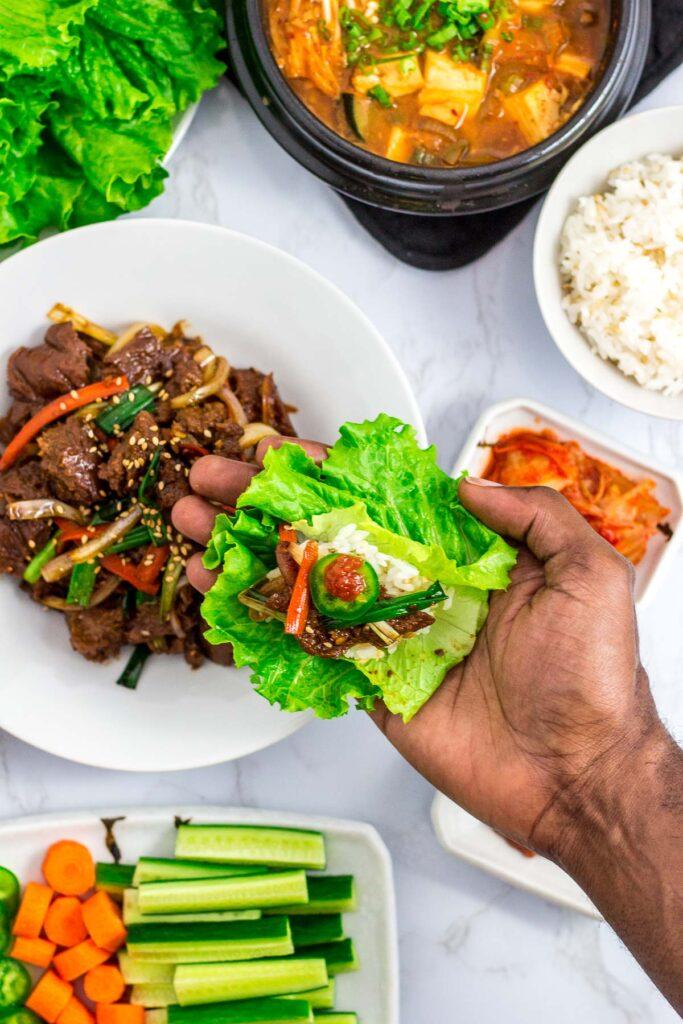 vegan lettuce wrap with seitan bulgogi