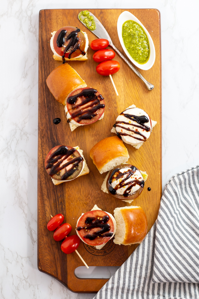 caprese sliders with balsamic glaze drizzled on top